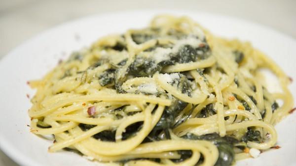 Spaghetti cicoria e pecorino