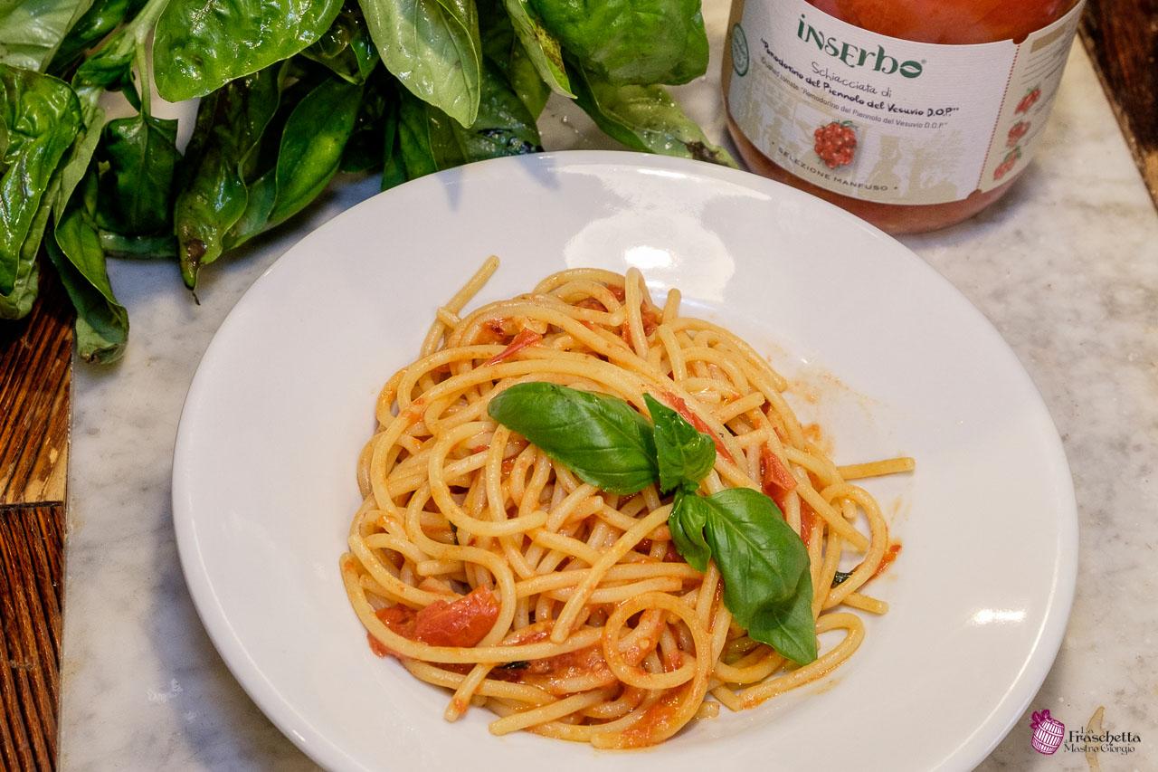 Spaghettoni Mancini con Pomodorino del Piennolo del Vesuvio DOP