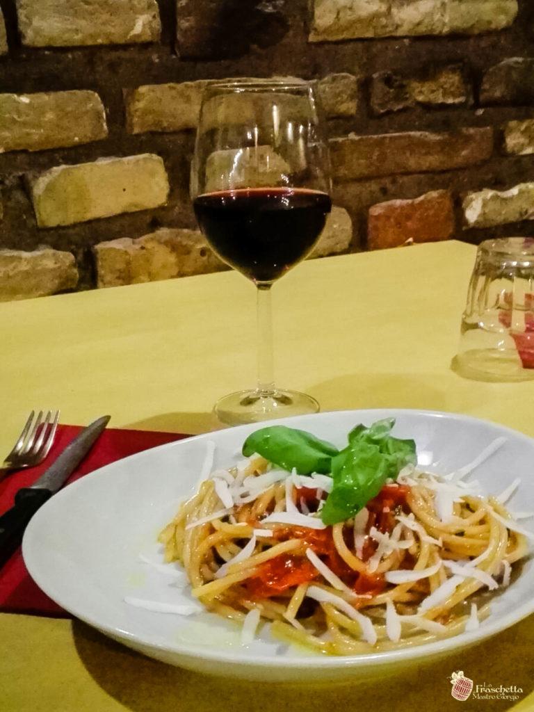 Spaghettone del pastificio Mancini con pomodoro del piennolo Dop